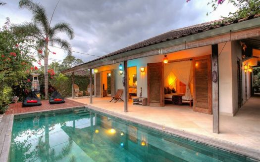 long term rental villa Bali authentic Balinese open rooms and poolside view