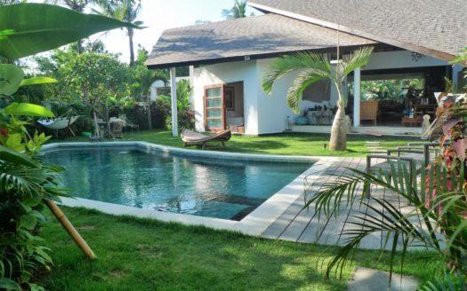 garden pool view villa tara berawa bali